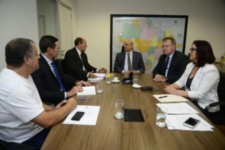 Prefeito reunido com Ministros do Desenvolvimento e Trabalho